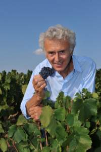 Georges Duboeuf in the vineyard (Photo: Domaine Georges Duboeuf)